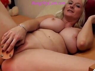 blond mature mom camgirl with big breasts having butt