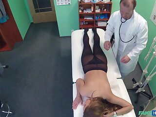 Fucking on put emphasize hospital bed between a taint and sexy Candy Alexa